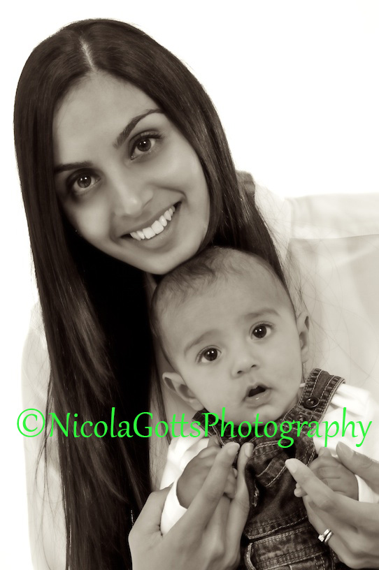 mother and baby photographers Birmingham